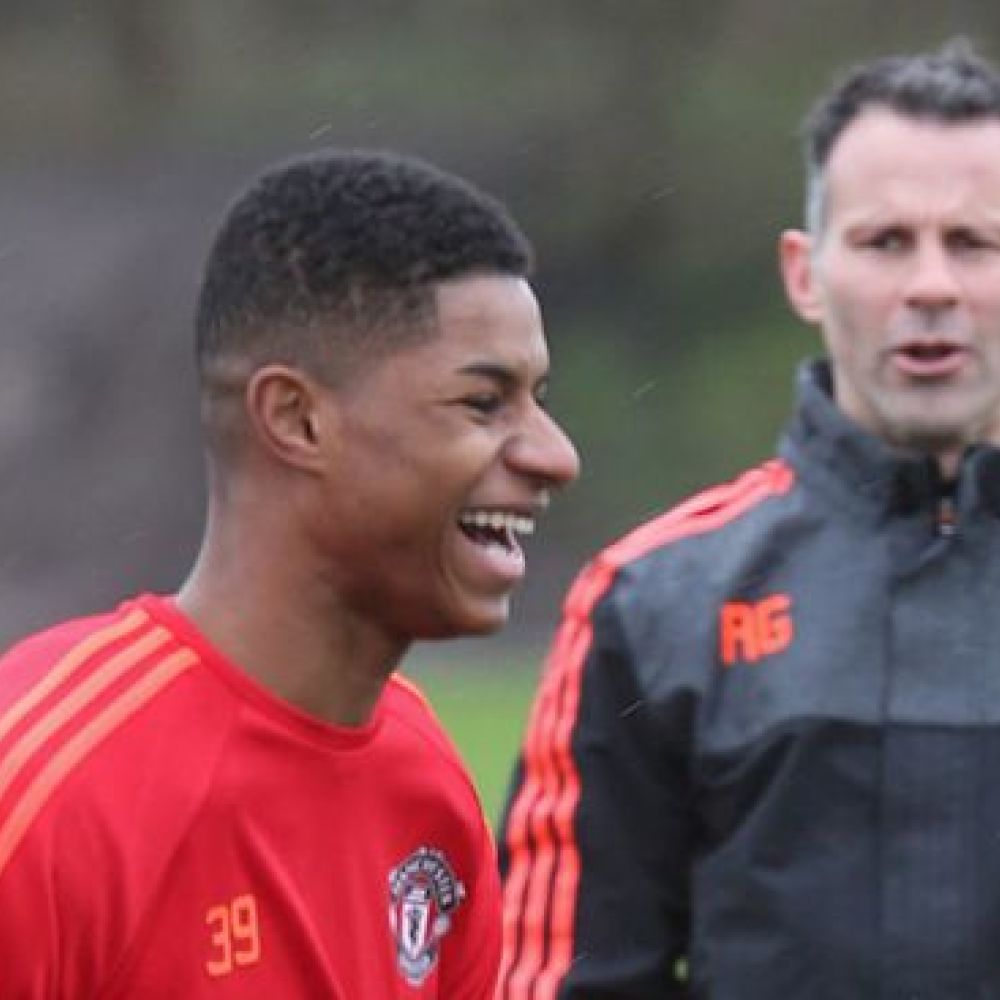 Giggs 'surprised' Rashford did not stand his ground on penalty