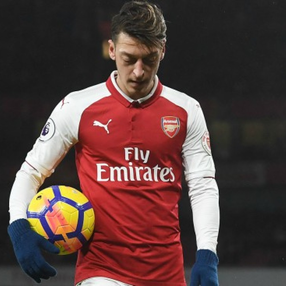 Ozil explains reasons behind wanting to stay at Arsenal