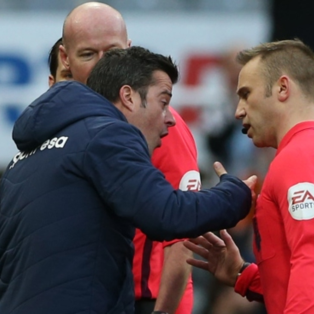 Everton boss Silva learns punishment for ref row