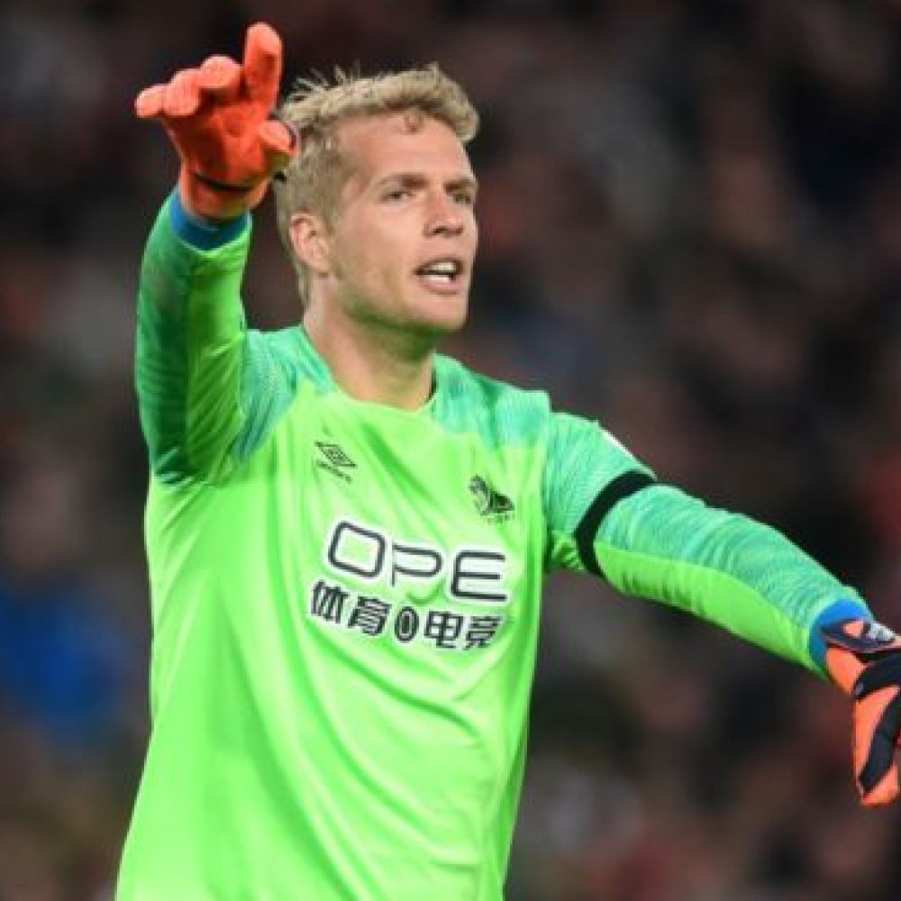 Doubts over Stekelenburg future as Lossl signs for Everton