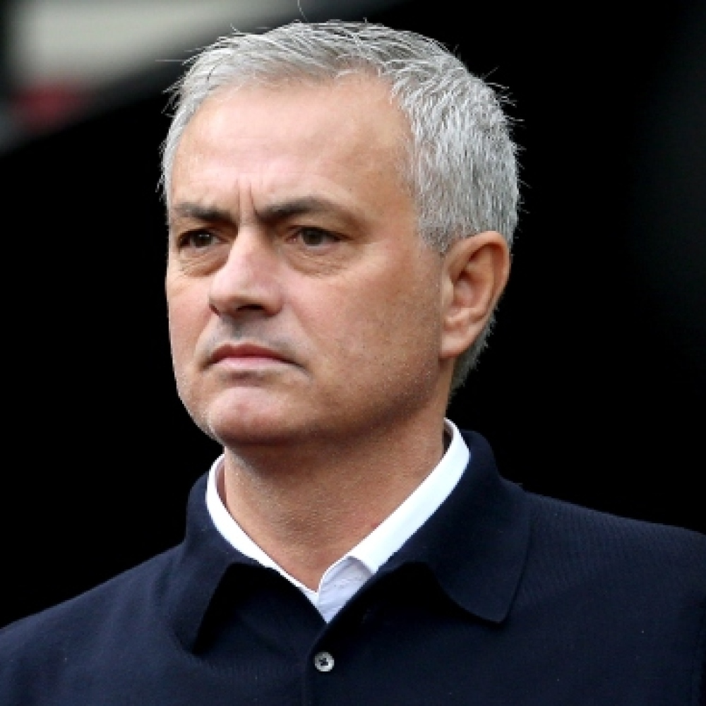 Mourinho responds to criticism after Spurs' social isolation breach