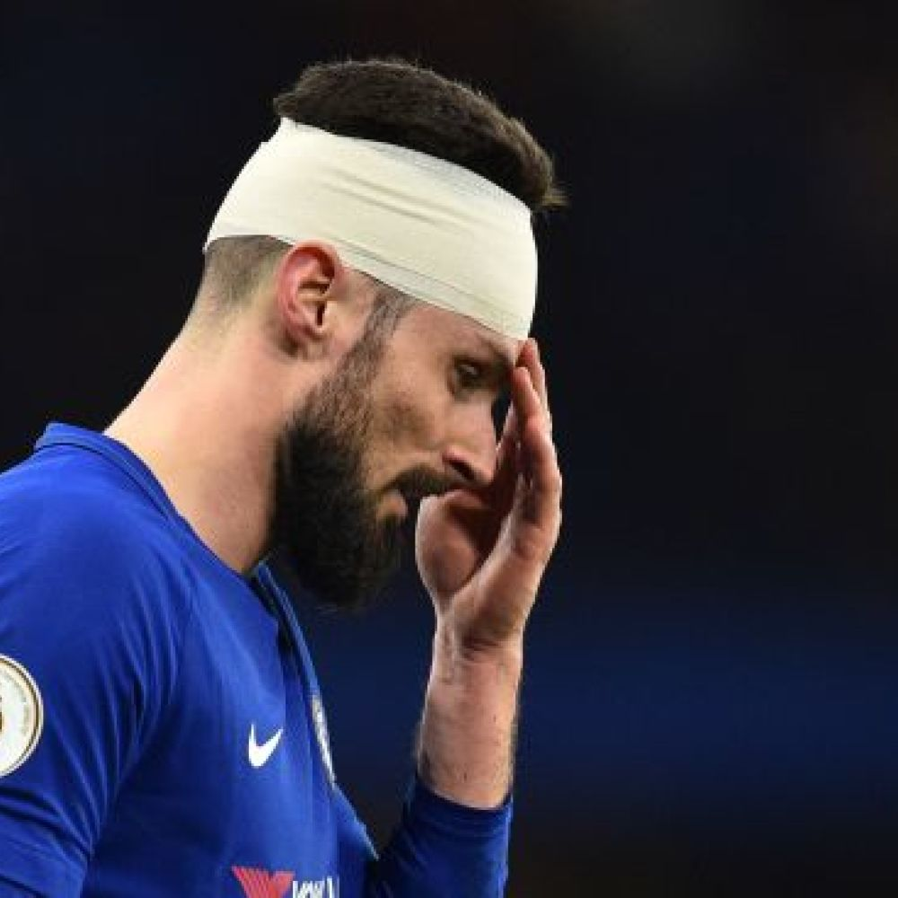 Giroud on full Chelsea debut, stitches and winning titles