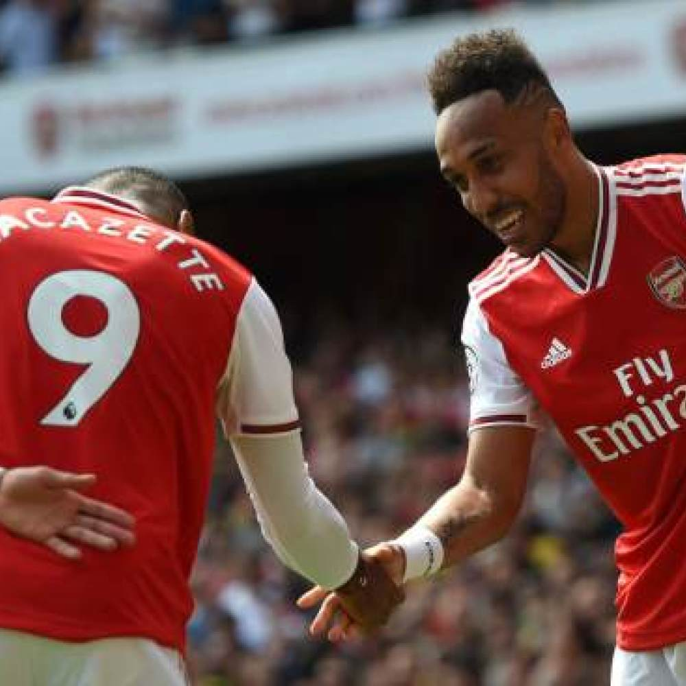 Arsenal want key duo to sign new deals 'without pay increases'