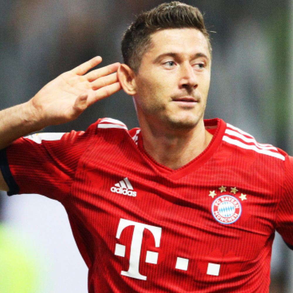 Lewandowski discusses 'several offers' to leave Bayern