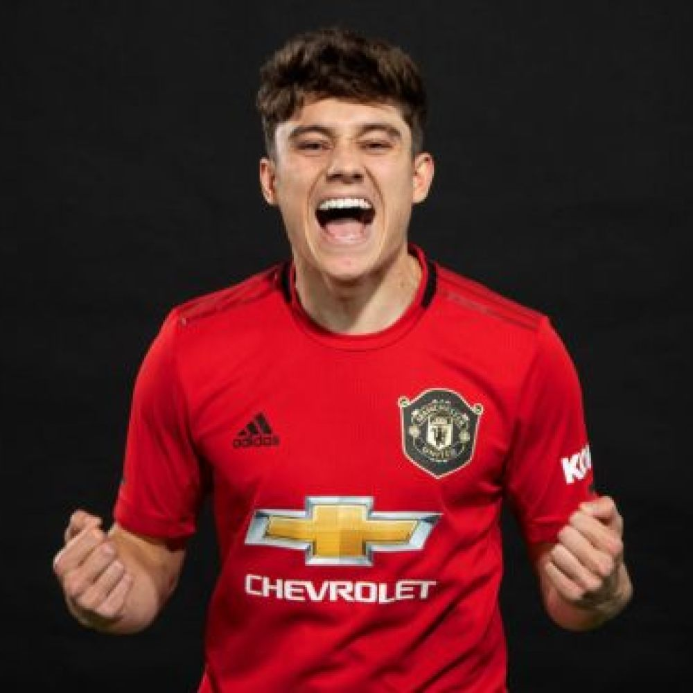 Solskjaer claims James can solve Man Utd's right wing issue