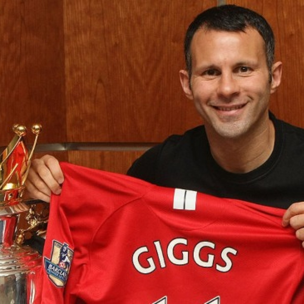 Premier League XIs: 'Overrated' Giggs in 2008/09 side…
